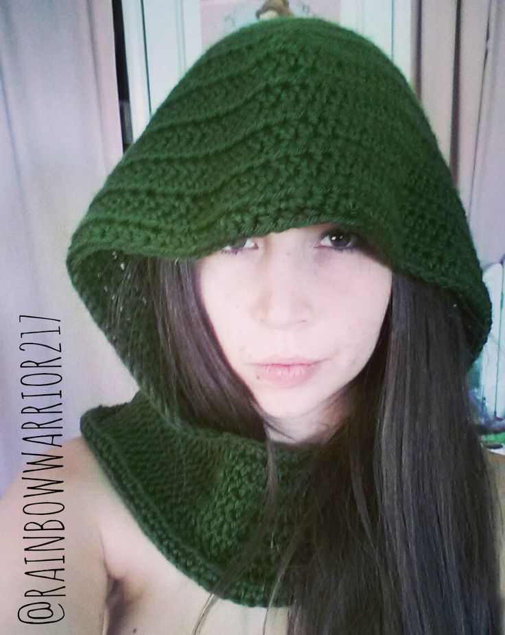 'Tauriel' Elf Hooded Cowl - free crochet pattern by Rainbow Warrior. Aran weight.