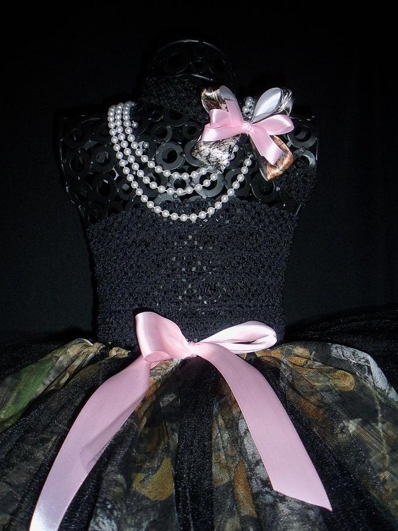 If my daughter was ever in a beauty pagent. This would be her dress.