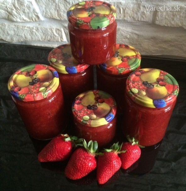 Jahodovo-rebarborový džem s vanilkou