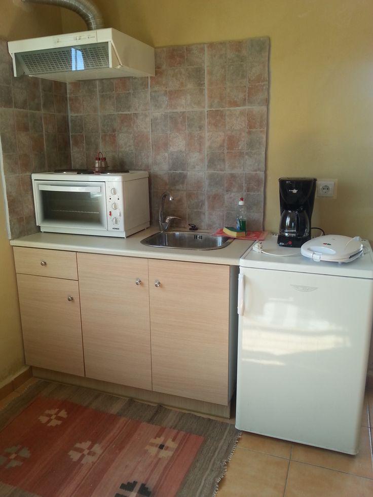 Alkyonia studio cooking area