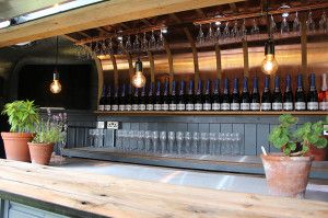 Vintage Bar Box Luxury Horsebox Cocktail Van Trailer Hire