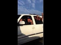 LA Lakers fans give Steve Nash a beer on the freeway