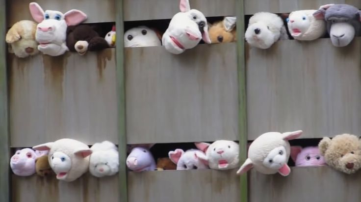 'Sirens of the Lambs' by Banksy http://www.emerveille.fr/sirens-of-the-lambs-banksy/