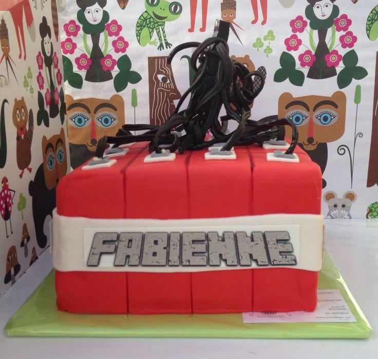 TNT  bom taart