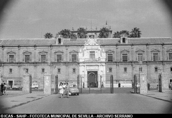 ICAS-SAHP Hospital de la Sangre o de la Cinco Llagas. 1970 #sevillayer Archivo Serrano