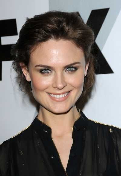 Emily Deschanels classic hairstyle