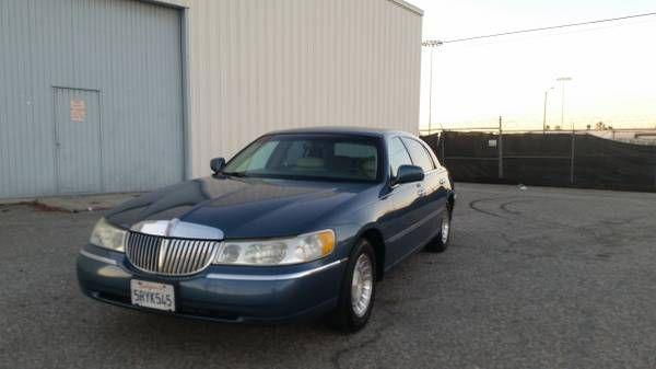 2001 2002 Lincoln town car