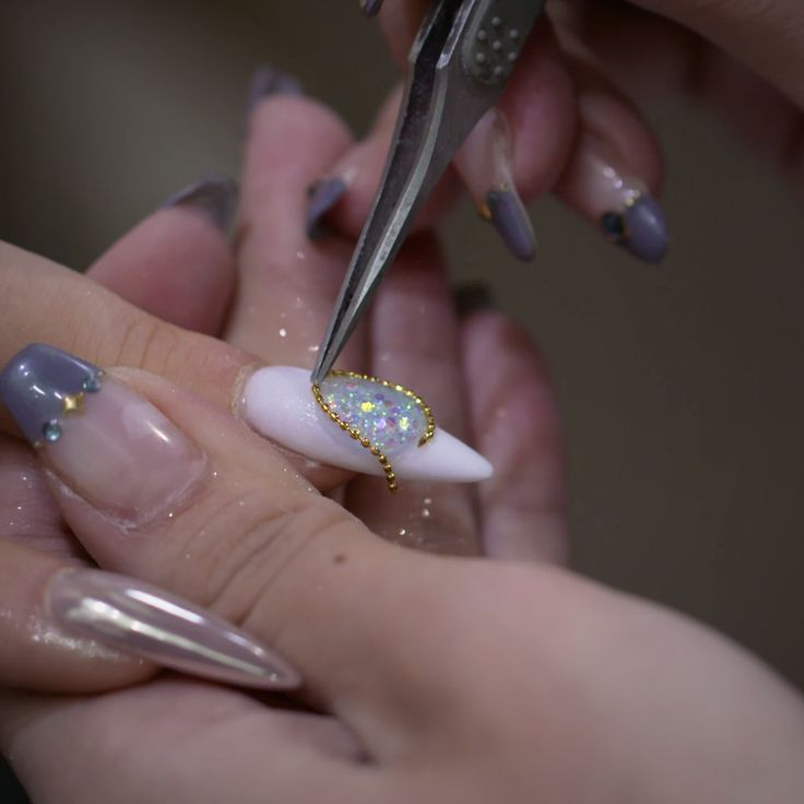 This manicure will mesmerize you