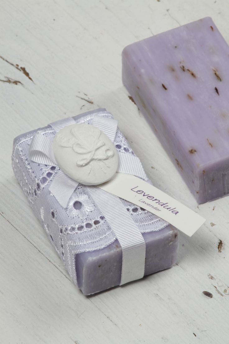 Hand Crafted French Lavender Soap With Flowers Makes a pefect Gift, Creative design has never smelt so good. Melt away stress with rich, soothing lather.