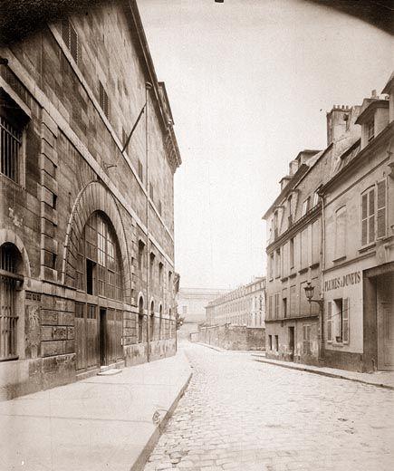 Paris 5e - La prison Sainte-Pélagie en 1898, démolie en 1999. Au fond, l'hôpital de la Pitié en 1898 - Eugène ATGET - la rue à PARIS - Sous les Toits de Paris