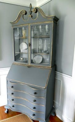 [CasaGiardino]  ♛  Gray and Gold accents for the dresser...Annie Sloan Chalk Paint: The Pros & Cons - Lilacs and LonghornsLilacs and Longhorns