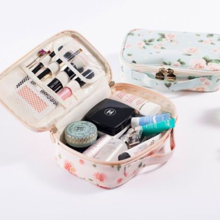 Blossom Cosmetic Pouch (in Rose only!) | Mochithings.com $32.26 (For traveling!)