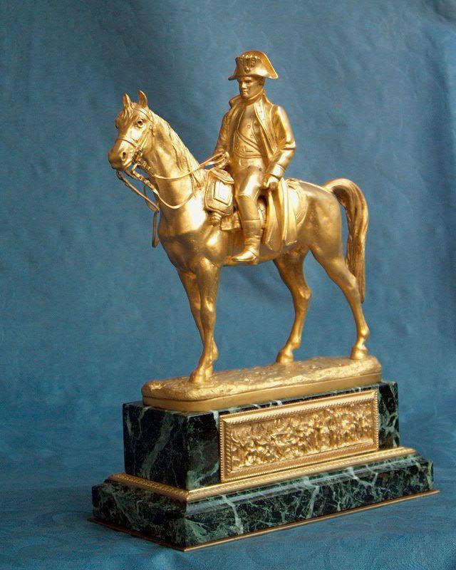 Statua equestre di Napoleone I , bronzo dorato al mercurio , firmata PINEDO , Parigi seconda metà XIX secolo