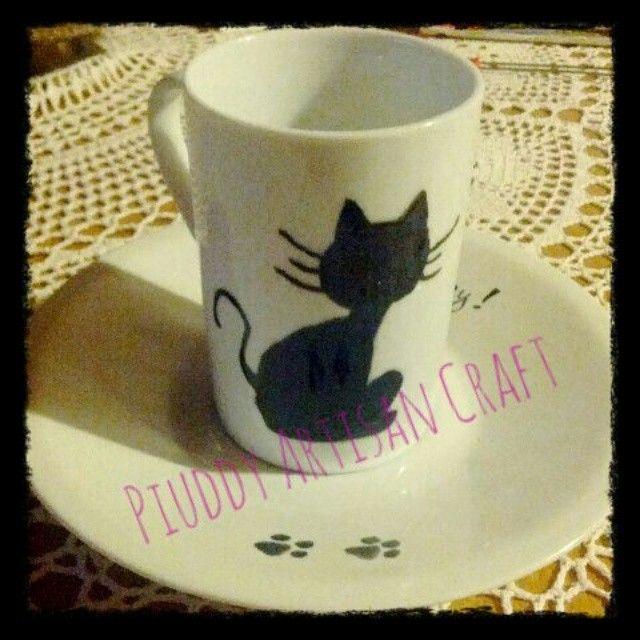 #mug #tazze #teatime #tisane #ideeregalo #onsale #cat #picoftheday #artisan #craft #purrfectday #gatto #silhouette #ombre #blackandwhite #handmade #fattoamano #followme #onsale #shop #shopping #invendita
