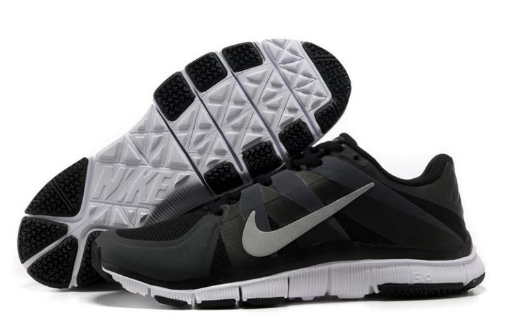 Q257z Nike Free Ausbilder 5.0 Herren Trainingsschuh Schwarz / Weiß