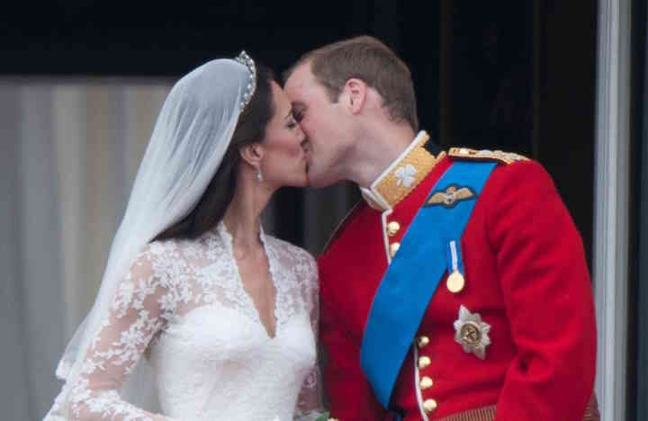 Did you wish Kate and Wills a happy weding anniversary? You're going to wish you had after seeing what well-wishers received...Find out on Grazia- http://lifestyle.one/grazia/celebrity/news/kate-middleton-prince-william-thank-card/