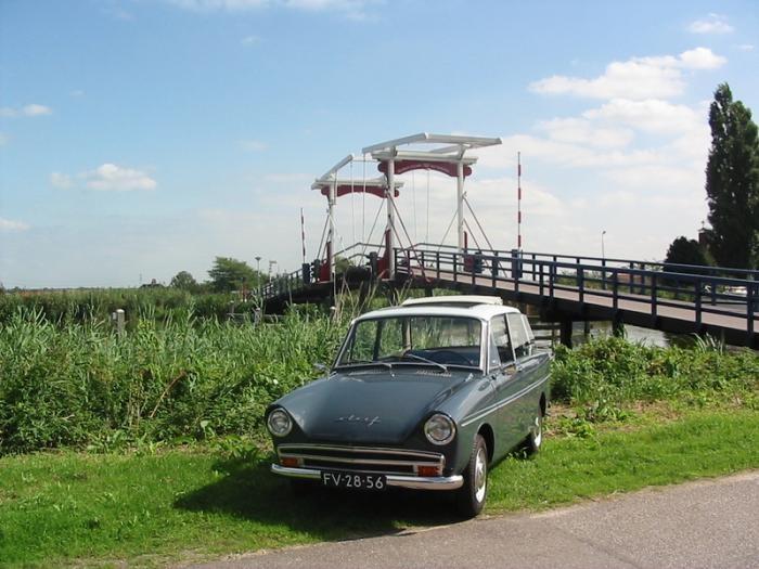 DAF Daffodil 31 LE 1965 - color Azuri / Helia - folding roof - former Dutch car brand #DAF #daffodil #variomatic #classiccar #oldtimer #carrelation