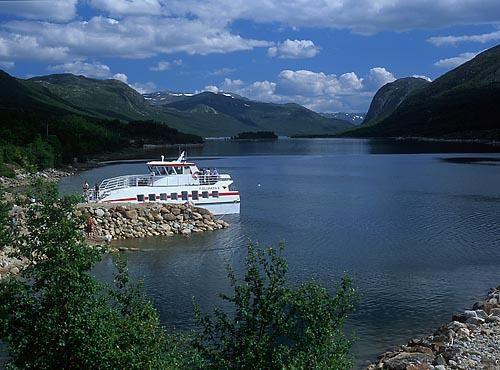 MS Fjellvåken II - går fra Skinnarbu til Mogen sommerstid på Møsvatn ca. 920 moh.!