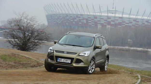 Jest większy, bardziej dojrzały i bezpieczniejszy. Ford Kuga w drugim wydaniu stał się samochodem światowym. Sprawdzamy, jak spisuje się na polskich drogach.  Czytaj więcej na http://www.magazynauto.pl/testy/testy-porownania/news-ford-kuga-2-0-tdci-163-4wd-titanum-test,nId,946607?utm_source=paste_medium=paste_campaign=firefox