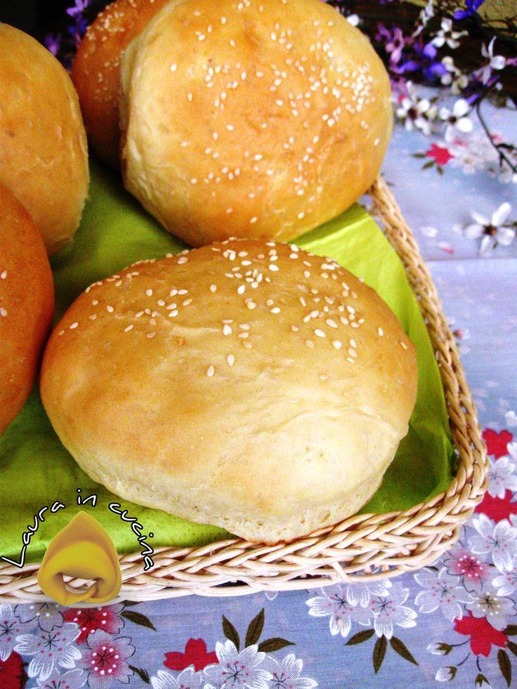 Panini+morbidi+per+hamburger,ricetta+facile