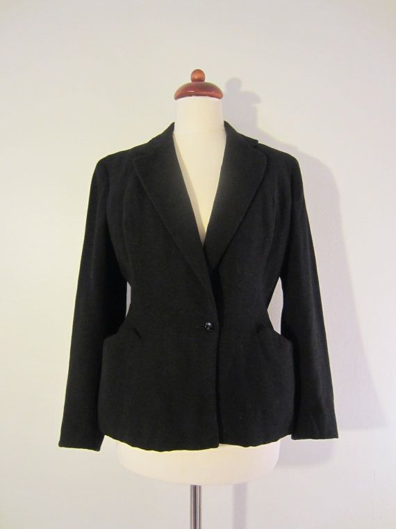 40s Black Fitted Jacket w/ Shoulder Pads and Distinguished Waistline Cut, S-M