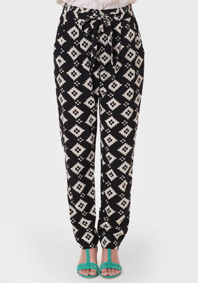 .Bought a pair of pants almost identical to these at TJ Max tonight! Don't know what I'll wear with them but they reminded me of the pants I wore in the 80's! Picturing red pointy flats the kind I wore with lace anklets back then, HA!
