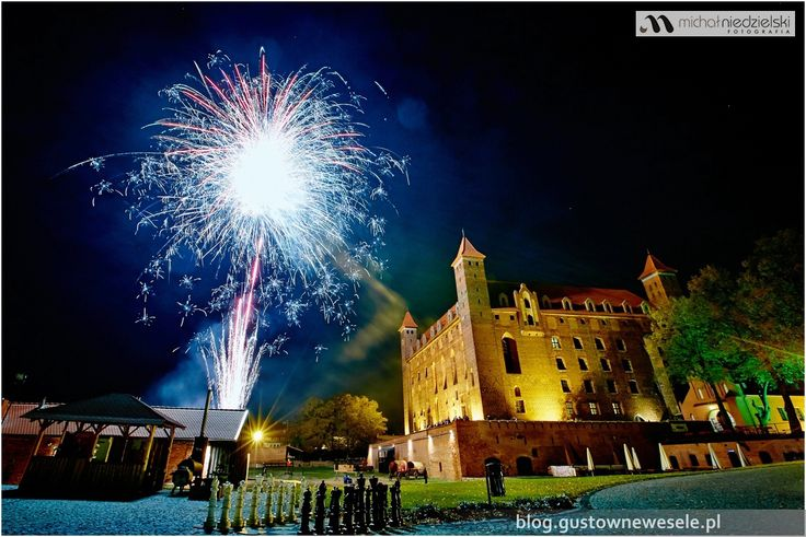 Fajerwerki na weselu na zamku | Fireworks at the wedding at the castle | Gustowne Wesele | Chic Wedding Poland