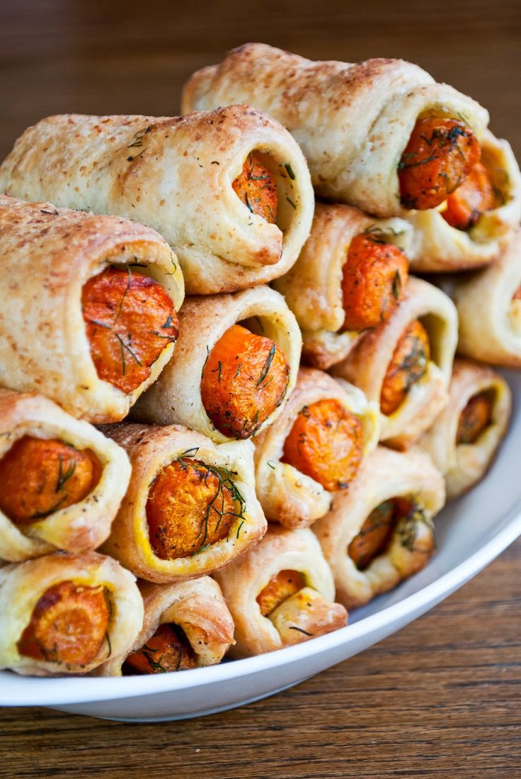 VeganSandra - tasty, cheap and easy vegan recipes by Sandra Vungi: Carrots in a blanket - I really want to try this it looks so good =)