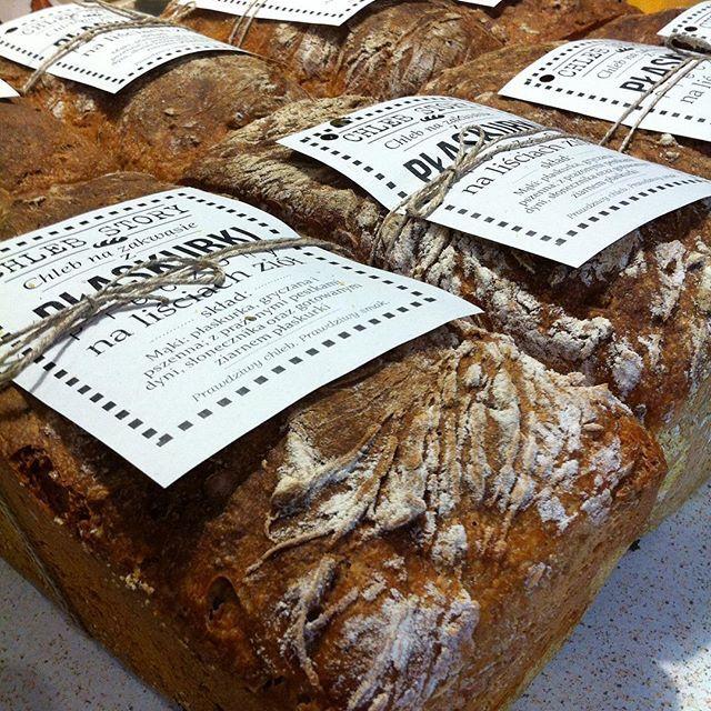 The sourdough emmer bread ready to go! #bread #sourdoughbread #sourdough #bakedwithlove #loaf #loafofbread #slowfood #healthyfood #chleb #zdrowejedzenie #organicfood #eko