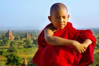 Munk ved Bagan i Burma