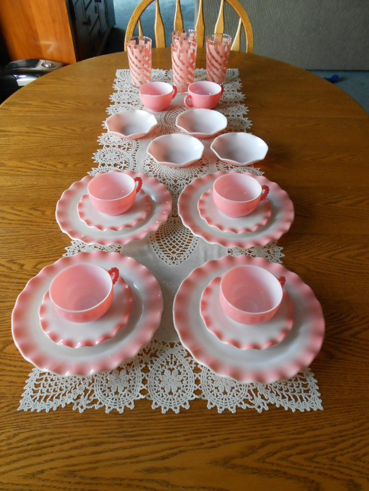 Vintage 22 pc Hazel Atlas Pink Crinoline Ripple Luncheon Set w/Box & Rare Glasses-that is so pretty. I might change my mind about my kitchen colors!