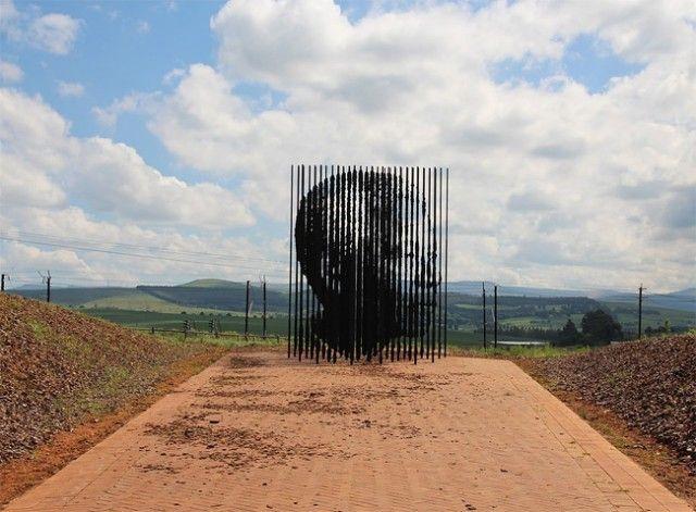 Mandela Sculpture by Marco Cianfanelli – Fubiz™