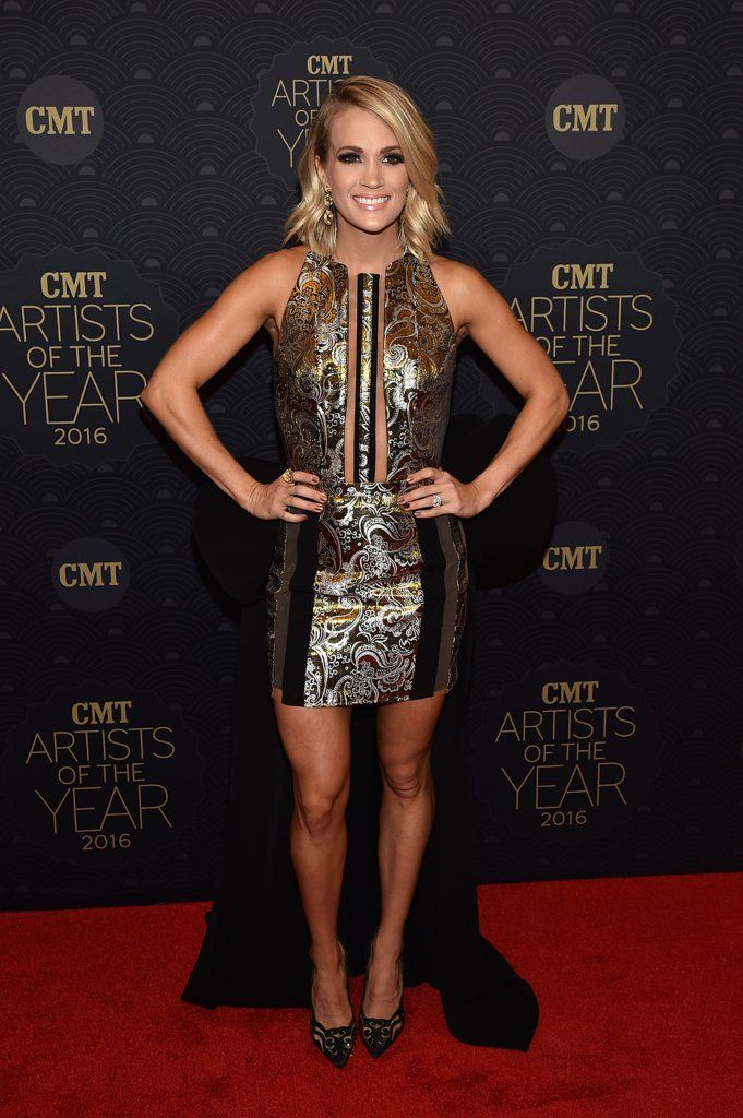 Carrie Underwood at CMT Artists of the Year 2016 | Pictures | POPSUGAR Celebrity