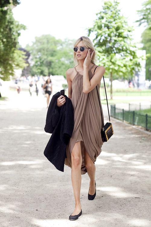 The perfect summer dress altamiranyc:  Anja Rubik