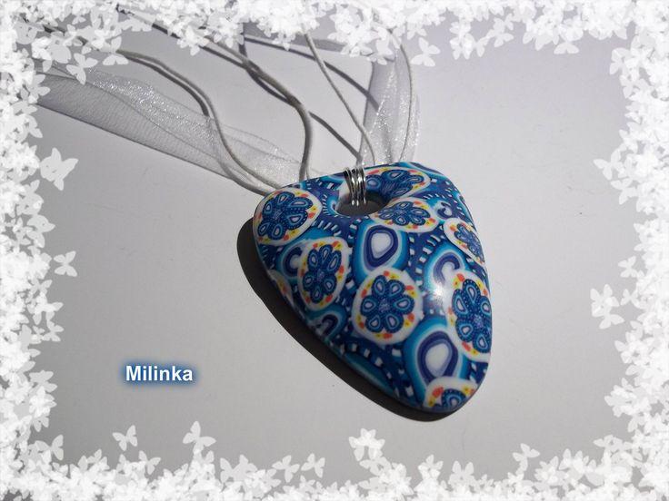 Polymerový náhrdelník z kytiček.