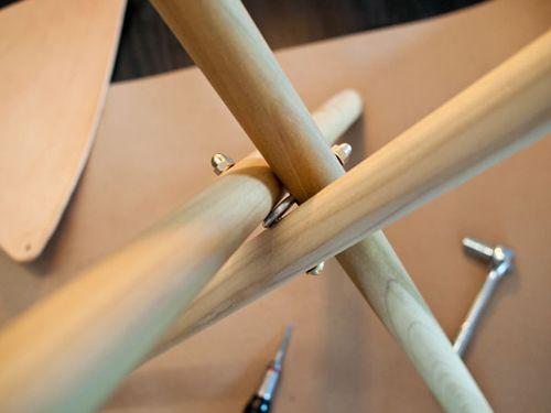 Great way to attach the three pieces of a DIY tripod lamp! (or a stool, but I don't need one of those.)