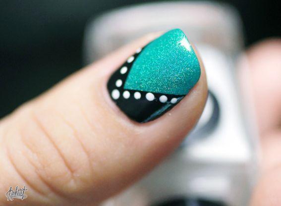 Nail art Dot's and line