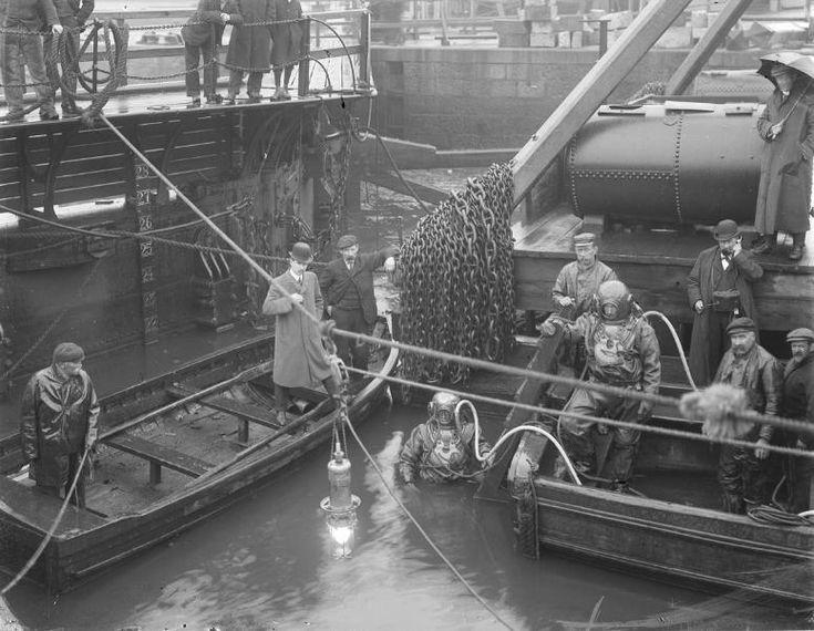 Divers o' the Deep - c1180s? THE DOCK GATES. - PROVOST MATTHEWS' QUAY Photographer unknown #vintage #DeepSeaDiving #SCUBA