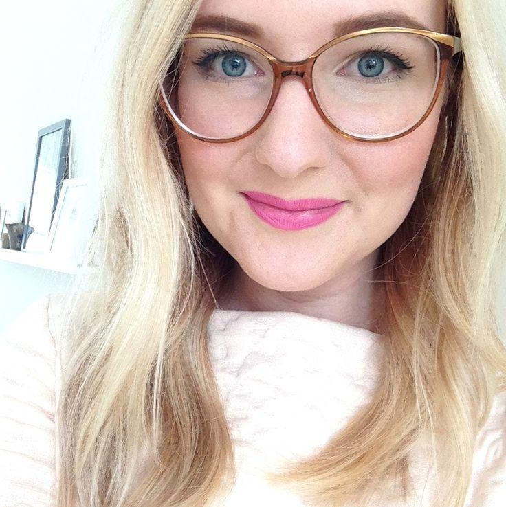 MAC Pink Nouveau Lipstick - LiveLifeGorgeous