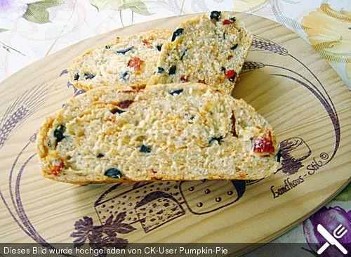 Pane al pomodoro e olive, ein schönes Rezept aus der Kategorie Brot und Brötchen. Bewertungen: 9. Durchschnitt: Ø 4,4.