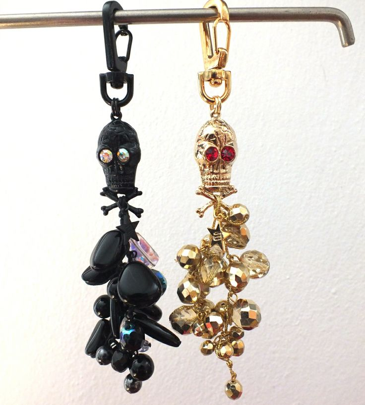 Skull pendant with glass beads and rhinestones.