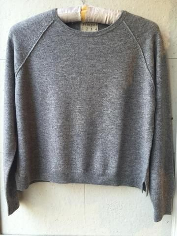 Jumper 1234 cashmere grey jumper with heart on back.