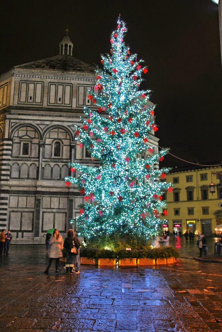 White christmas tree with purple and blue decorations - Christmas Tree In Piazza Del Duomo Florence