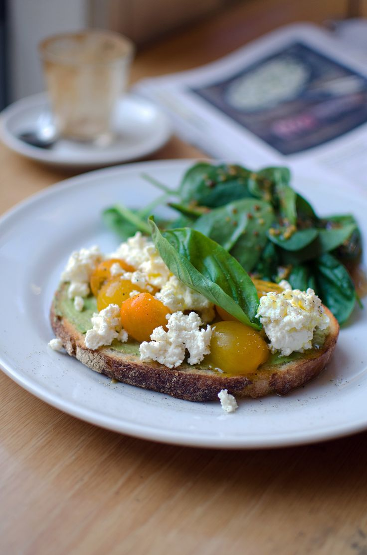 Visiting Sydney's Rocks district? Here's a round-up of brekky contenders.