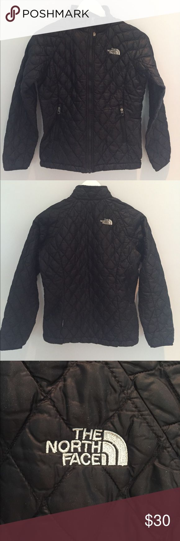 North Face Thermoball Jacket Girl's quilted Thermoball jacket. Zipper outer pockets. North Face Jackets & Coats