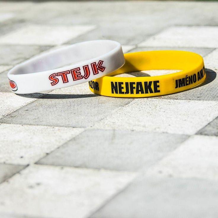 Stejk nebo Nejfake? #rozhodnito . . . . #realgeek #stejkmerch #stejkuvmerch #nejfake #nejfakemerch #duel #youtuberi #Nnaramky #utubers