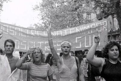 """Maricas, vagos y maleantes: el franquismo contra la homosexualidad. Hasta 1979 ser homosexual se consideraba un delito en España. Muchos fueron represaliados por el franquismo y dieron con sus huesos en la cárcel por """"invertidos"""". Marta Medina   El Confidencial, 2017-03-01 http://www.elconfidencial.com/cultura/2017-03-01/franquismo-homofobia-bones-of-contention-berlinale_1340103/"""