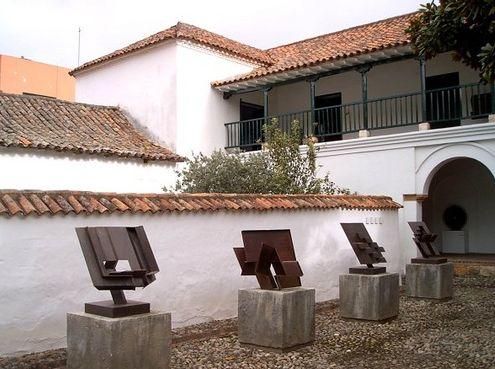 Museo de arte moderno ramirez villamizar y sitio donde reposan las cenizas del escultor.pamplona colombia.