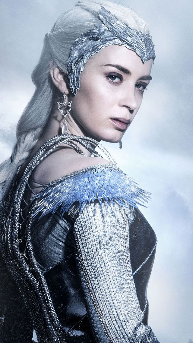 Stunning costumes and wardrobes in The Huntsman Winters War