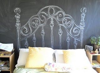 Draw your own chalk headboard: How clever! I'd hate to keep rubbing the back of my head on chalkboard paint, but it's a fabulous idea all the same